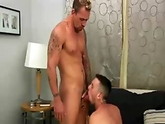 Muscly ass ramming guys cum