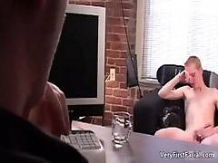 Cute face blond twinkie Drew gives gay sex