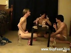 Sexy gay This is a lengthy episode for you voyeur types who like the